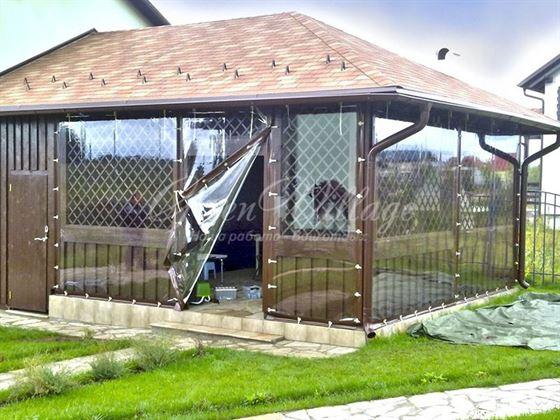 Защитные шторы для веранд и беседок